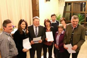 Hans Haunerdinger (BdM), MdL Michaela Kaniber, Minister Brunner, Gisela Sengl MdL, Albert Aschauer, Maria Meier, Liesi Aschauer, Sepp Hubert