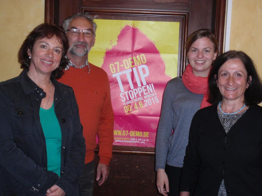 Landtagsabgeordnete Gisela Sengl (ganz links) sowie Katharina Schulze (2.v.r.) mit den Sprechern des KV Traunstein, Sepp Hohlweger und Helga Mandl