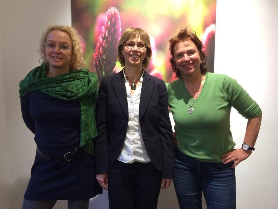 Gisela Sengl (r.) mit Dorothea Federking (M., Sachsen- Anhalt) und Martina Feldmayer (l., Hessen)